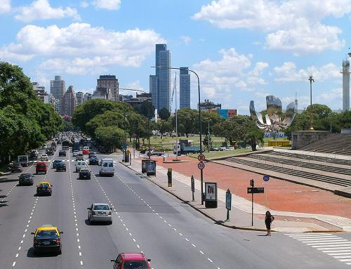 L'Argentina aggiorna le normative ambientali per promuovere la mobilità alternativa da gas naturale