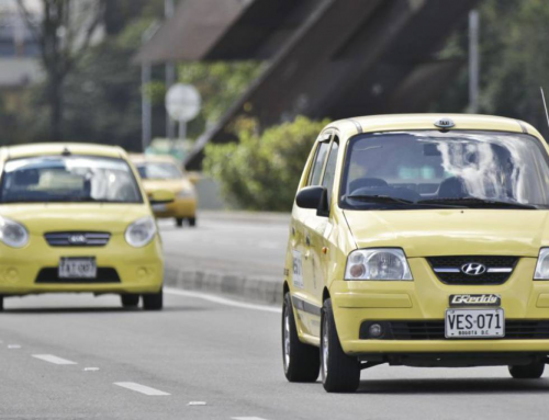 Bogotá elimina le restrizioni al traffico per i taxi che utilizzano carburanti puliti