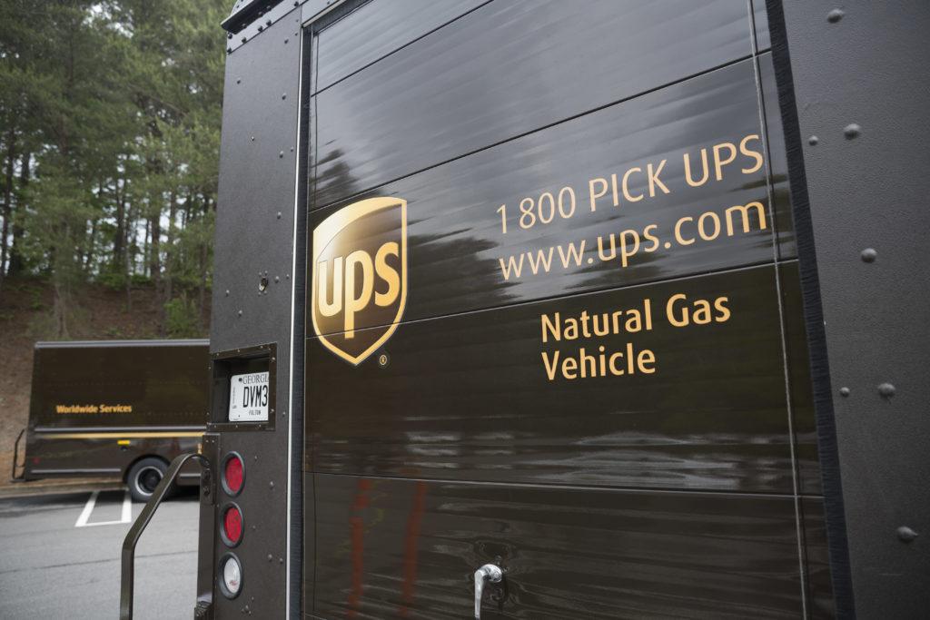 UPS rafforza gli sforzi per la sostenibilità, pronti 6.000 nuovi veicoli a gas naturale