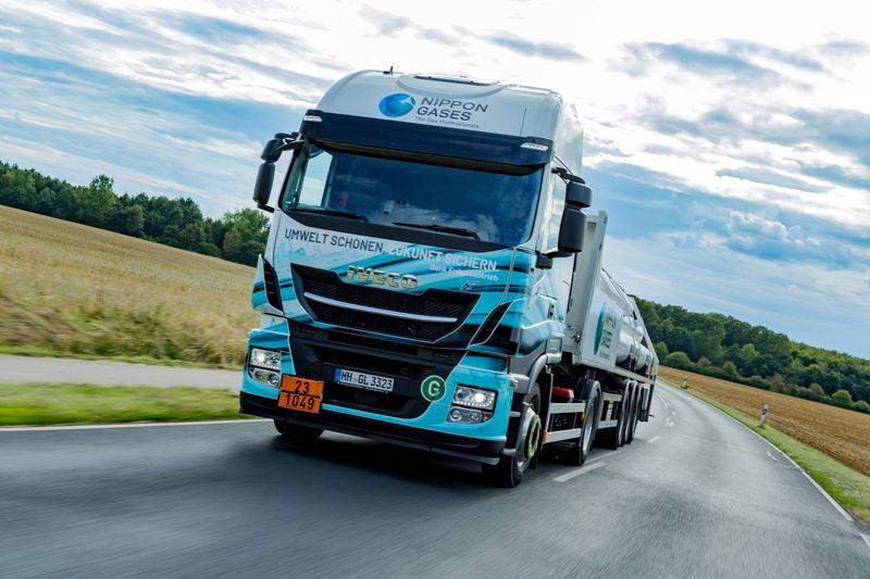 Germania: lo specialista nel trasporto di gas amplia la flotta Iveco NGV