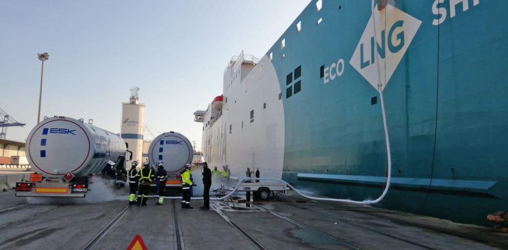 Presentato nel porto di Valencia il nuovo metodo di bunkeraggio del gas naturale ad alta efficienza